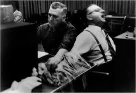 Milgram Deneyi: Otoriteye İtaat Duygusunun Gücü