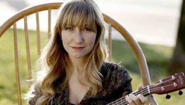 """Nilipek, """"Bir Aşk İki Hayat"""" Filmi İçin Son Mektup Şarkısını Seslendirdi!"""