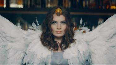 Nil Karaibrahimgil'den Organize İşler 2 Filmine Özel Şarkı!